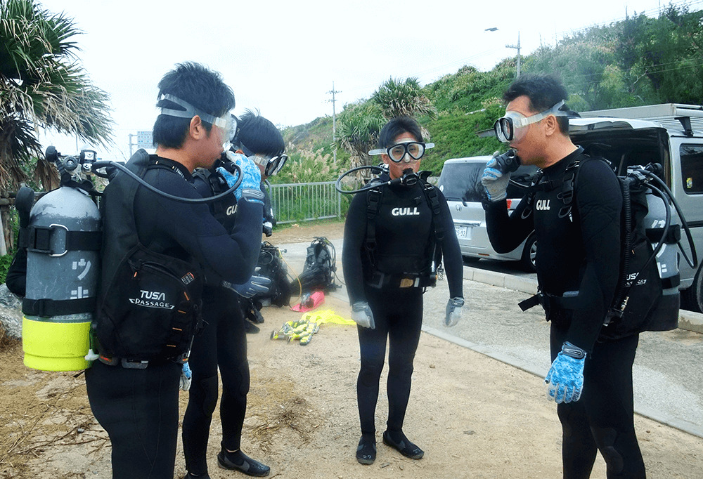 ビーチでダイビング体験STEP4