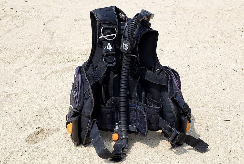 BCD (Scuba Diving)